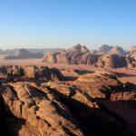 Jordanie - Désert de Wadi Rum vu du ciel au lever de soleil