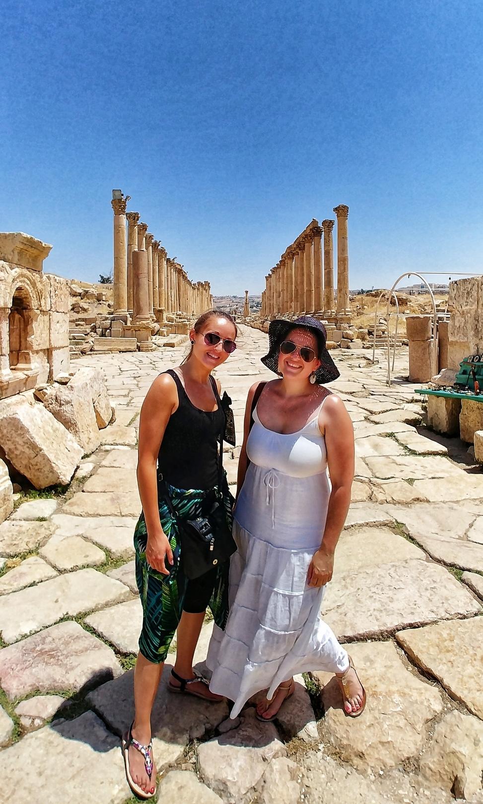 Jordanie - Rue des colonnades sur le site romain de Jerash