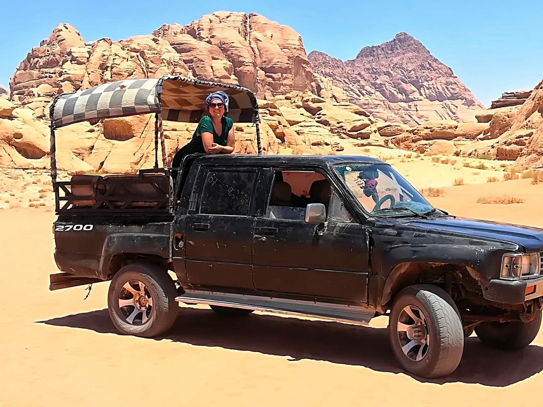 Jordanie - Jeep dans le désert de Wadi Rum