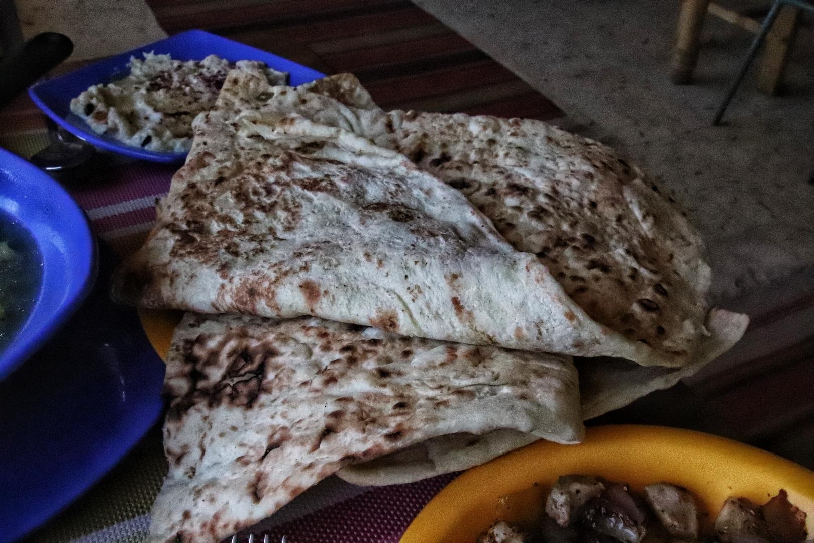 Jordanie - Pain dans un café au pied du château d'Ajlun