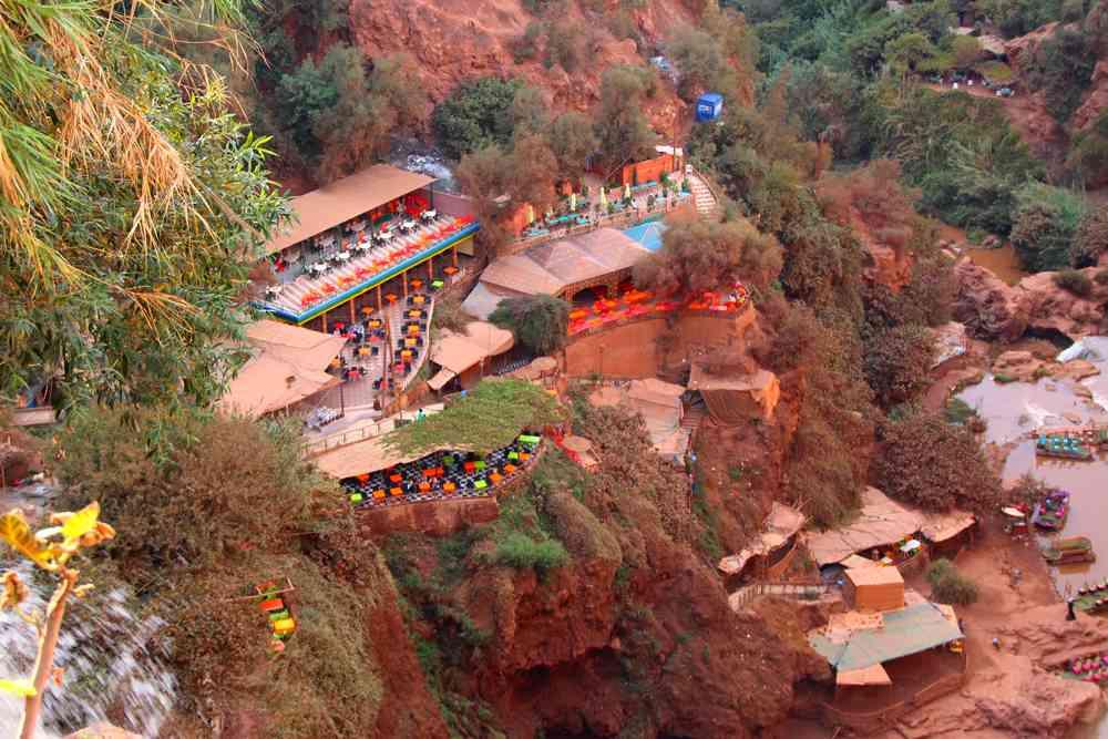 Maroc - Restaurants et cafés aux cascades d'Ouzoud