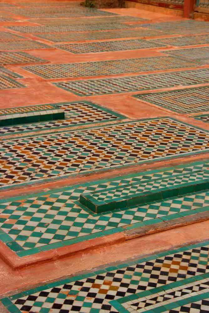 Maroc - Tombeaux saadiens en zellige à Marrakech