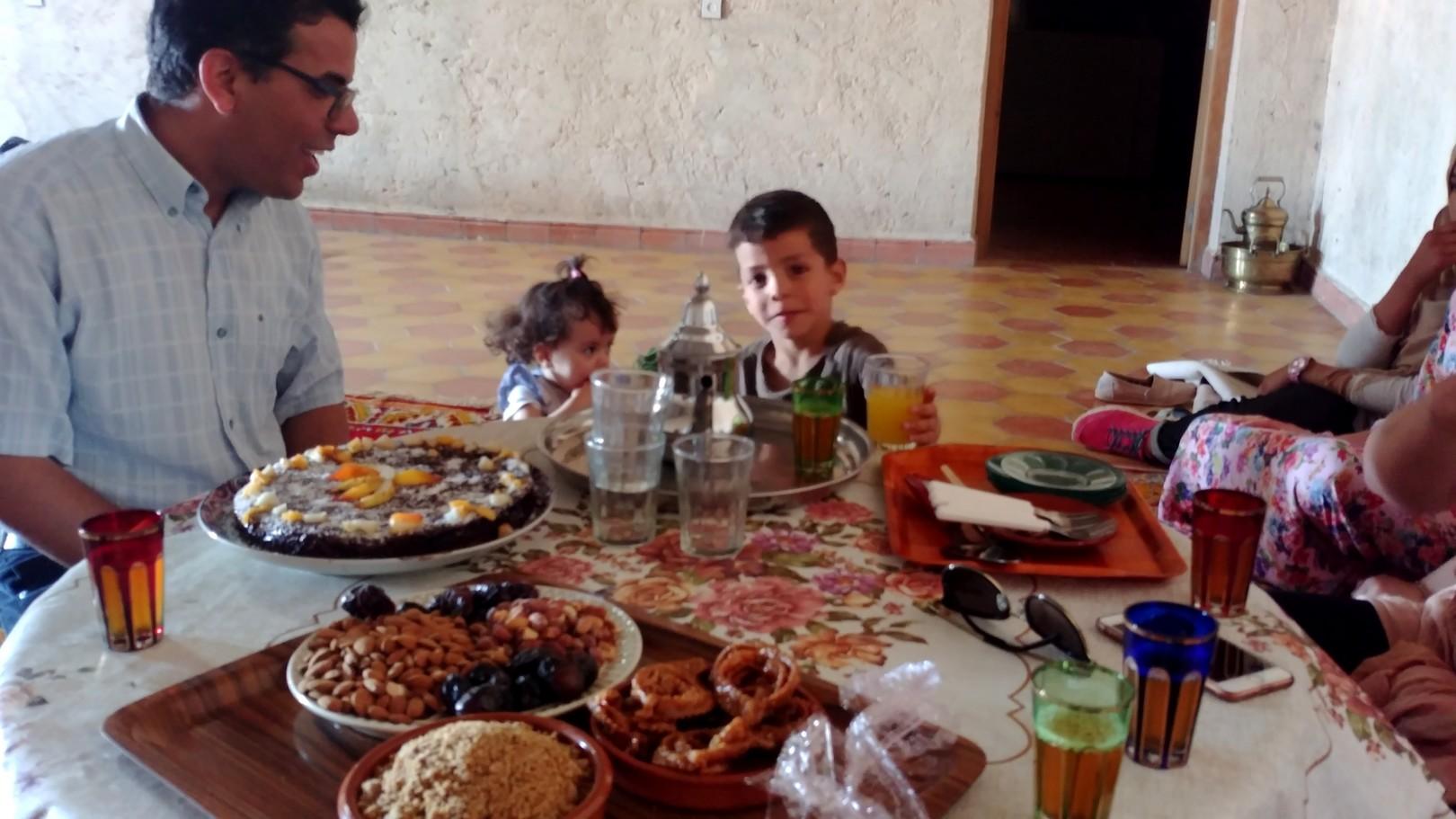 Maroc - Goûter dans une famille à Ifert
