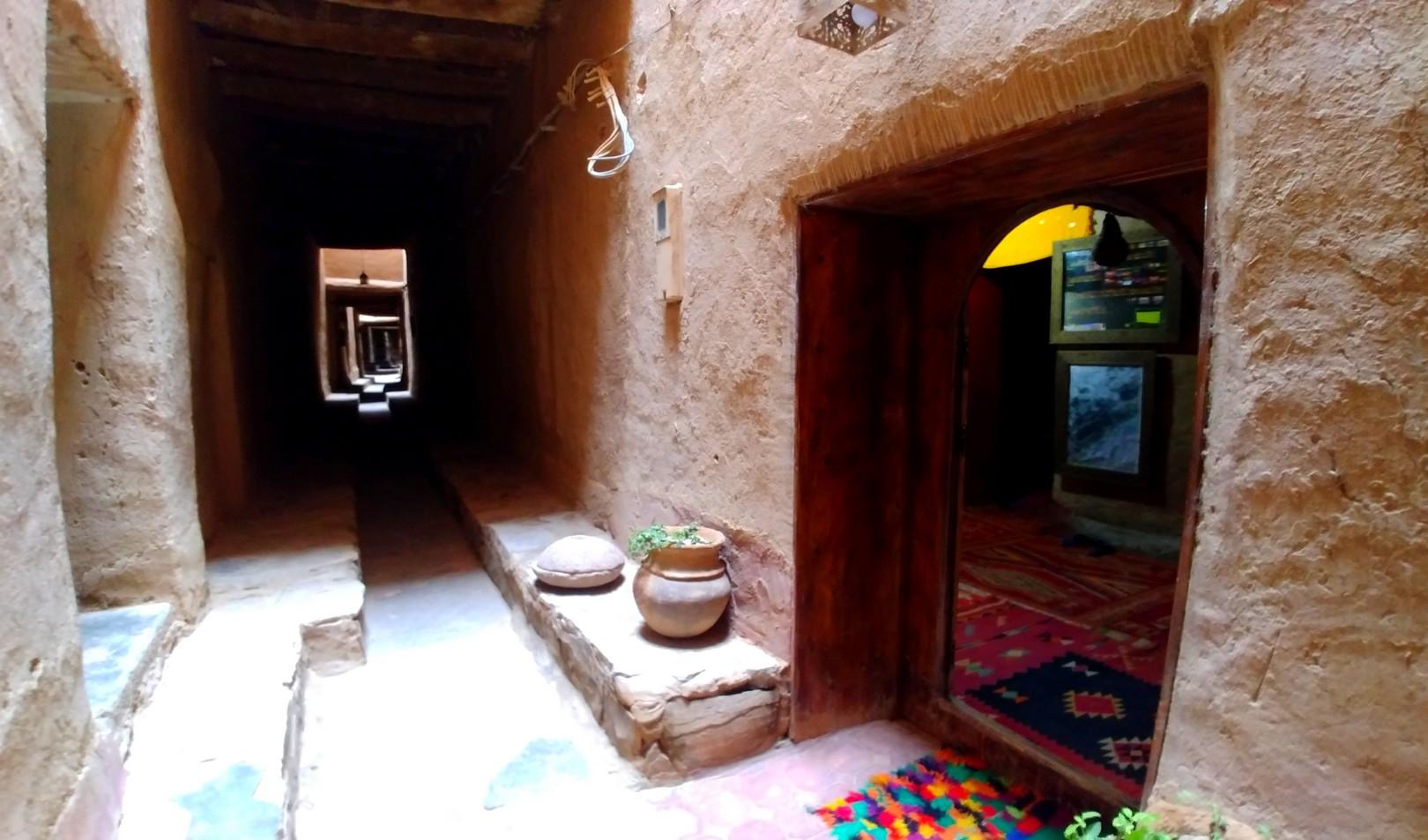 Maroc - Dans le ksar de Tinejdad