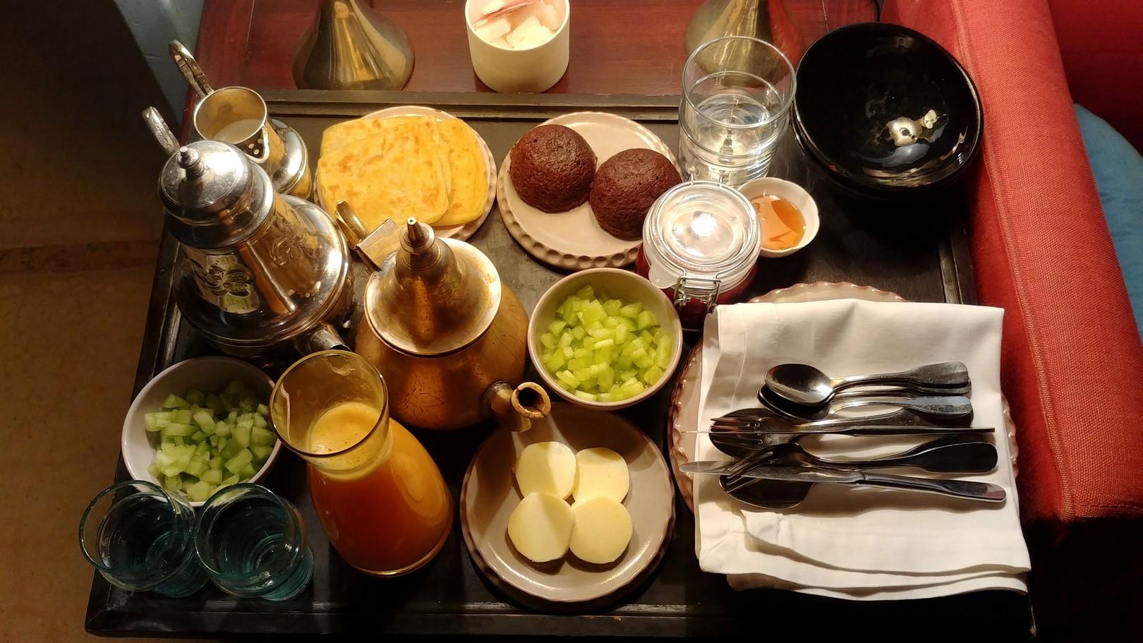 Maroc - Petit-déjeuner servi en chambre au Dar Ahlam