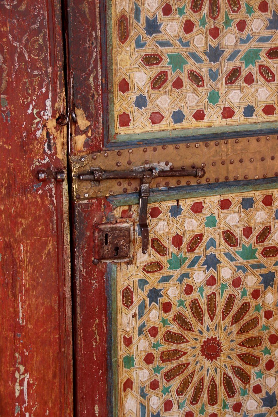 Maroc - Porte peinte du mausolée de Tamegroute