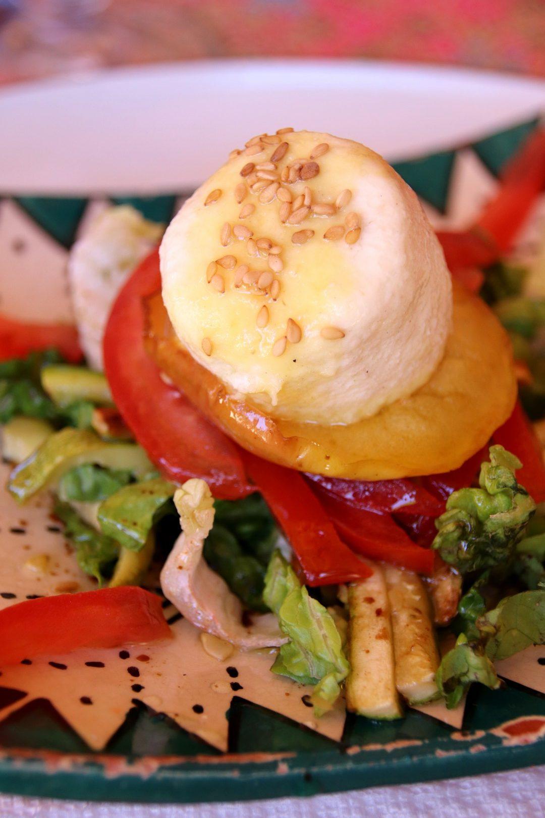 Maroc - Salade au fromage de chèvre à Boumalne Dadès