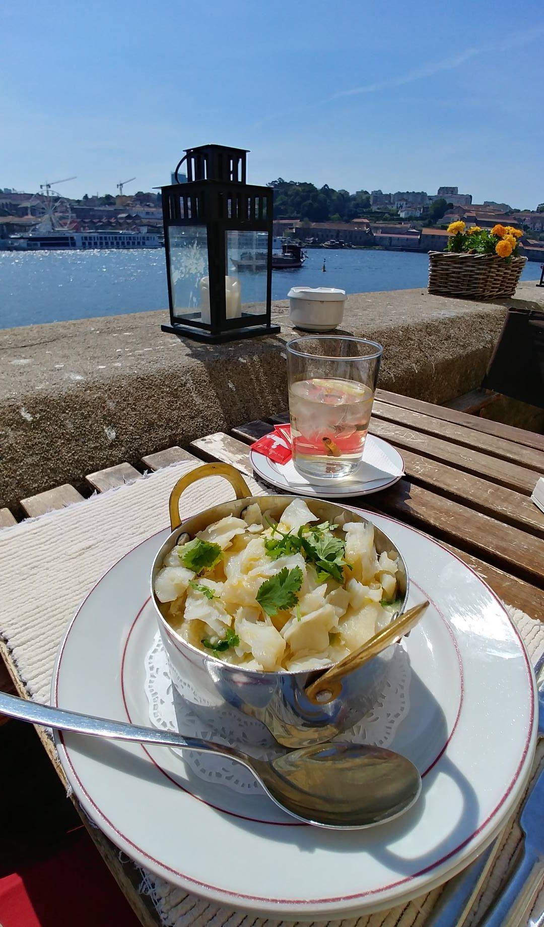 Portugal - Déjeuner bacalhau au bord du Douro à Porto