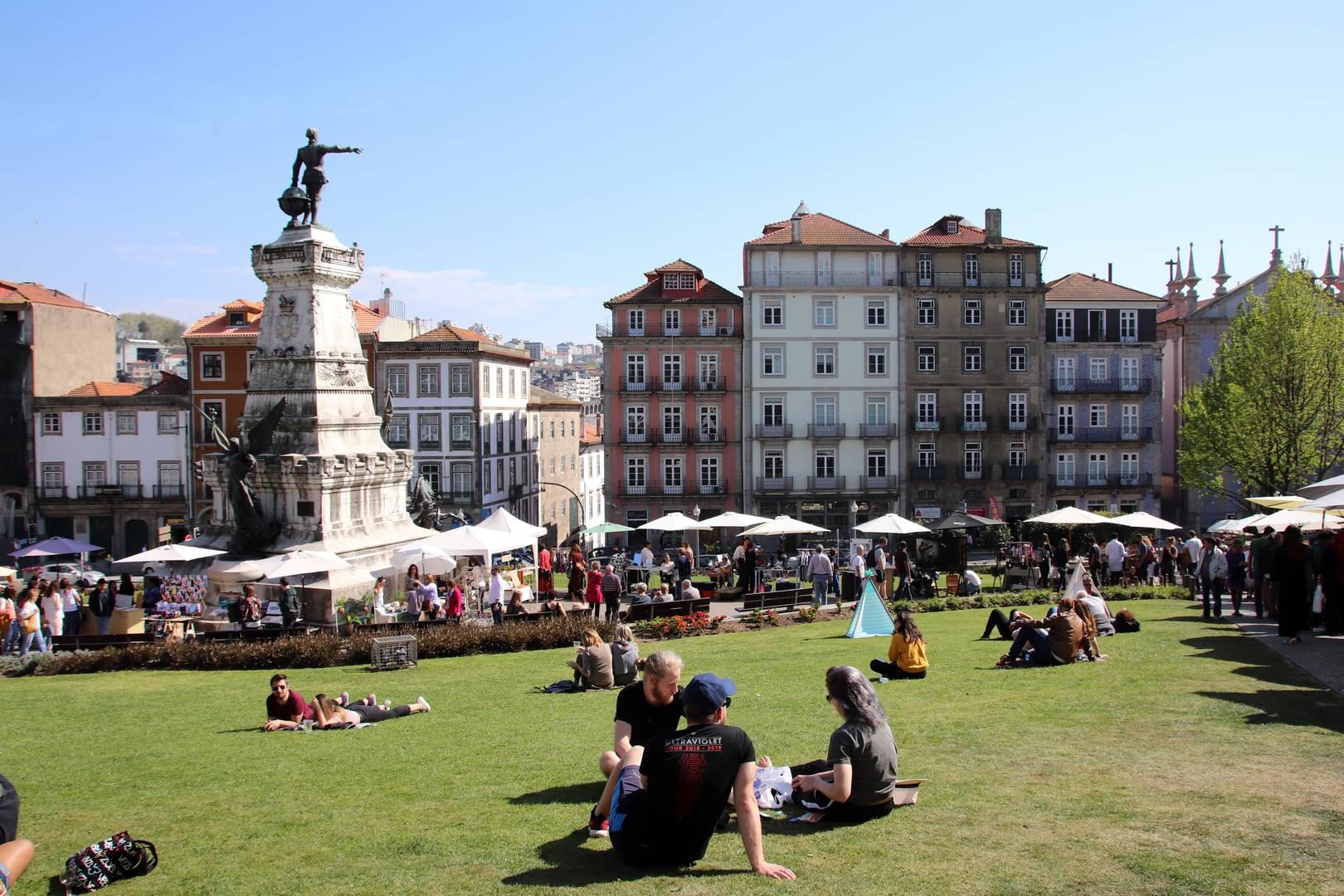 Portugal - Praça do Infante Dom Henrique à Porto
