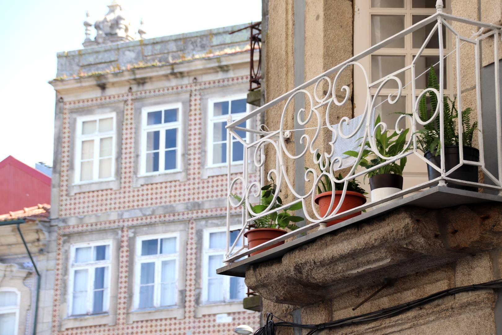 Portugal - Balcon fleuri à Porto