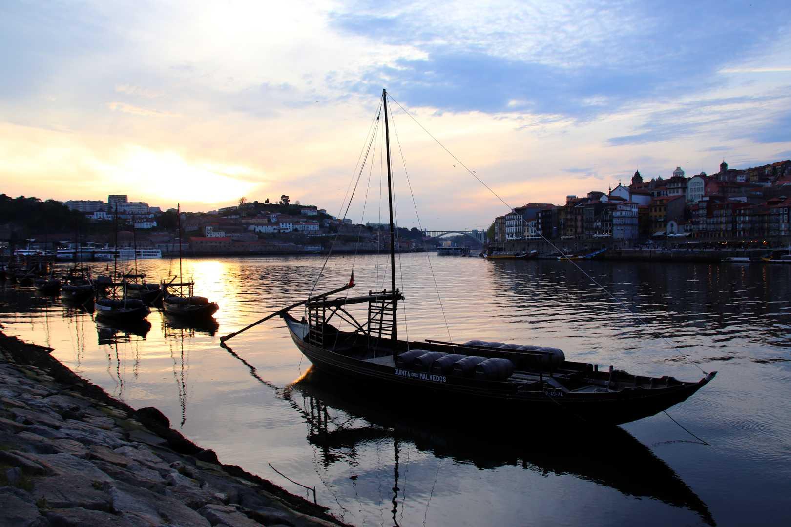 Portugal - Coucher de soleil à Vila Nova de Gaia à Porto