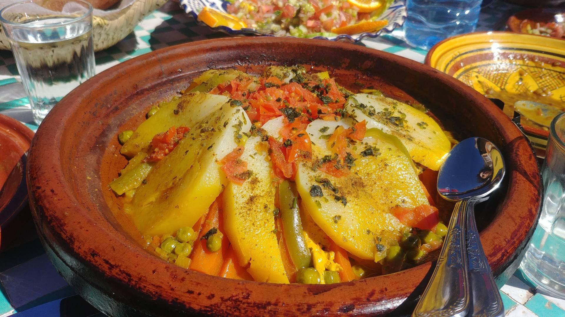 Maroc - Tajine de légumes dans la vallée d'Imlil