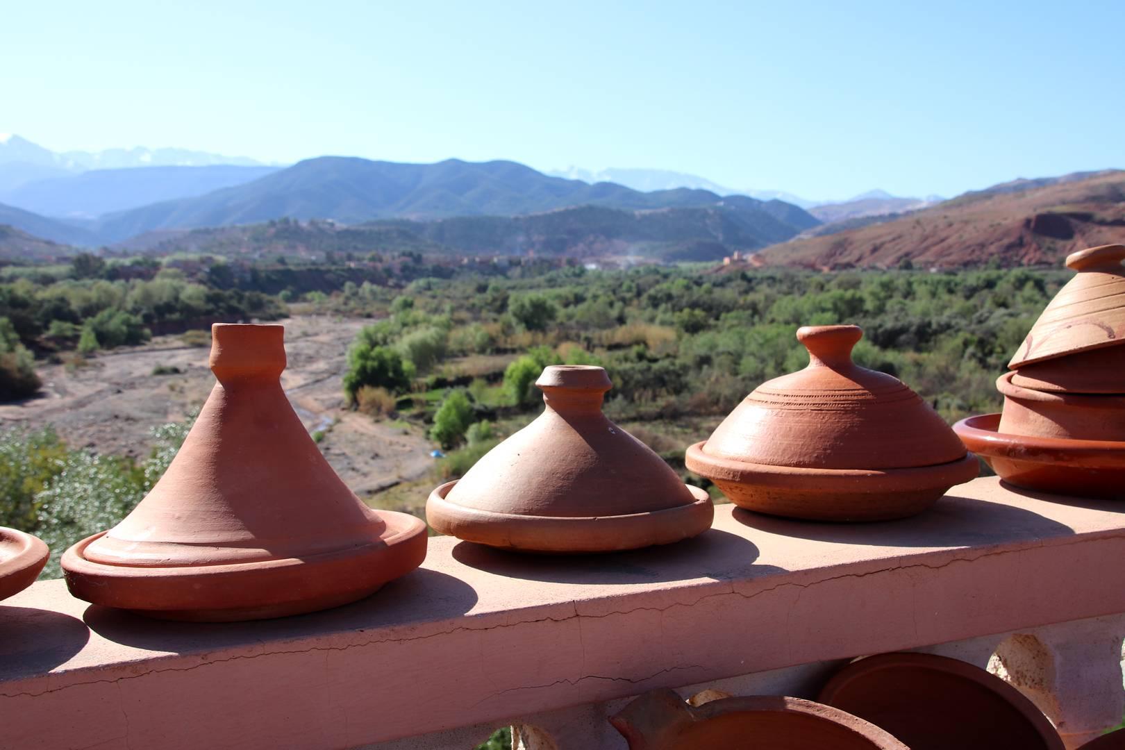 Maroc - Tajines à vendre dans la vallée d'Imlil