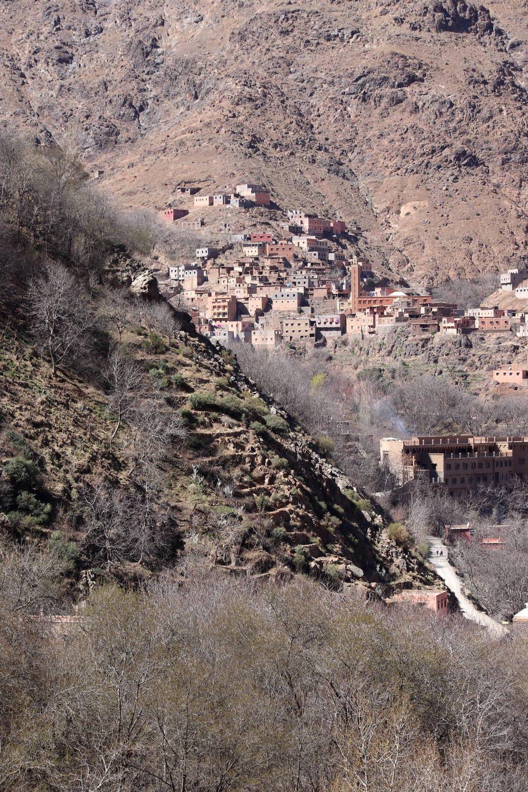 Maroc - Village et cultures en terrasses dans la vallée d'Imlil