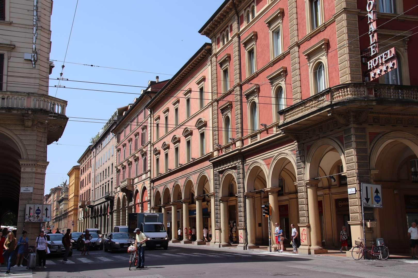 Italie - Via Dell' Indipendenza à Bologne