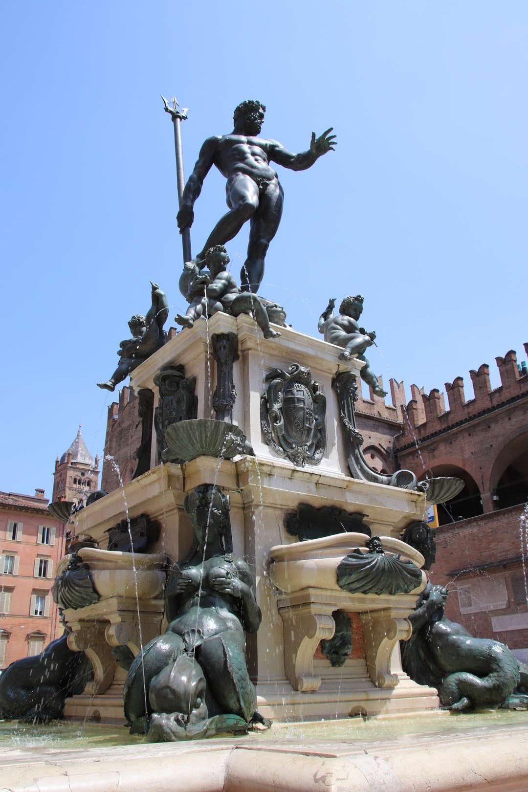 Italie - Fontaine Piazza del Nettuno à Bologne