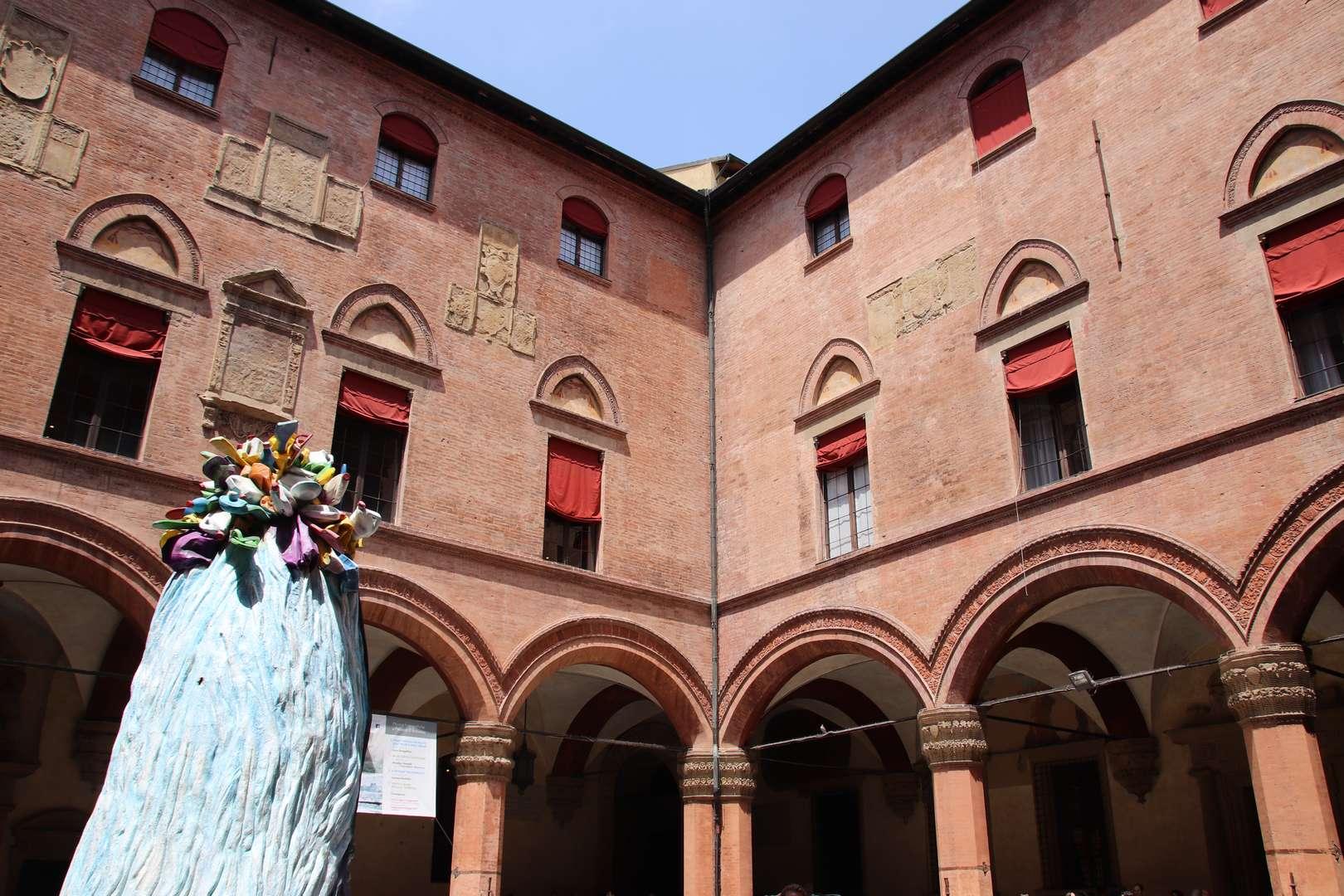 Italie - Palazzo d'Accursio à Bologne