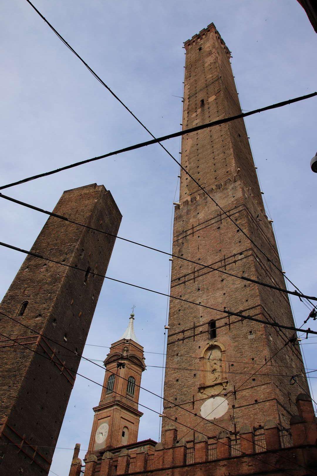 Italie - Due Torri (Deux Tours) de Bologne