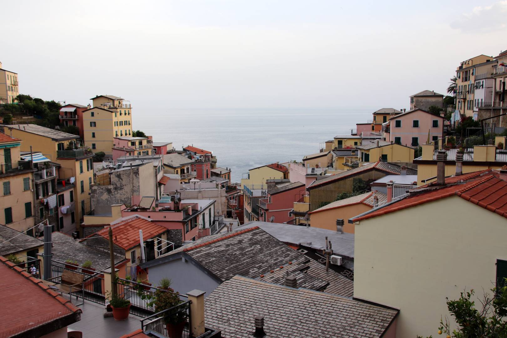 Italie - Fin de journée sur le village de Riomaggiore au parc des Cinque Terre