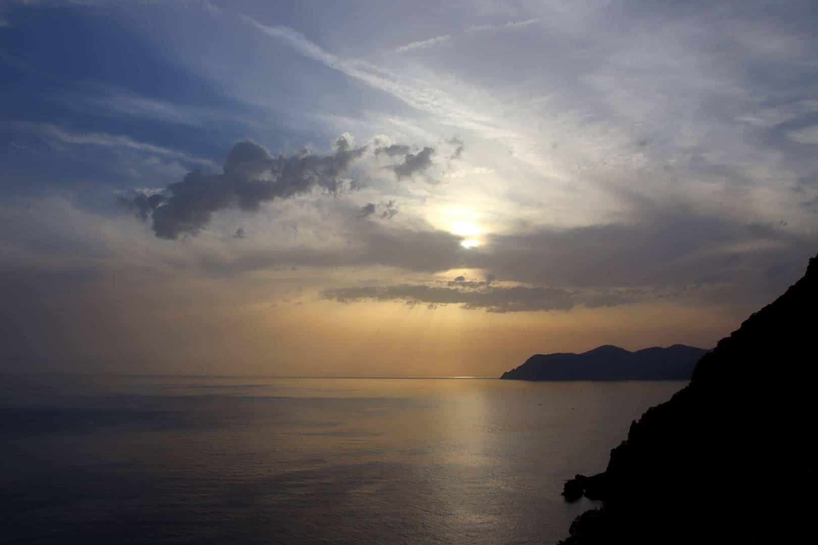 Italie - Coucher de soleil au village de Riomaggiore au parc des Cinque Terre