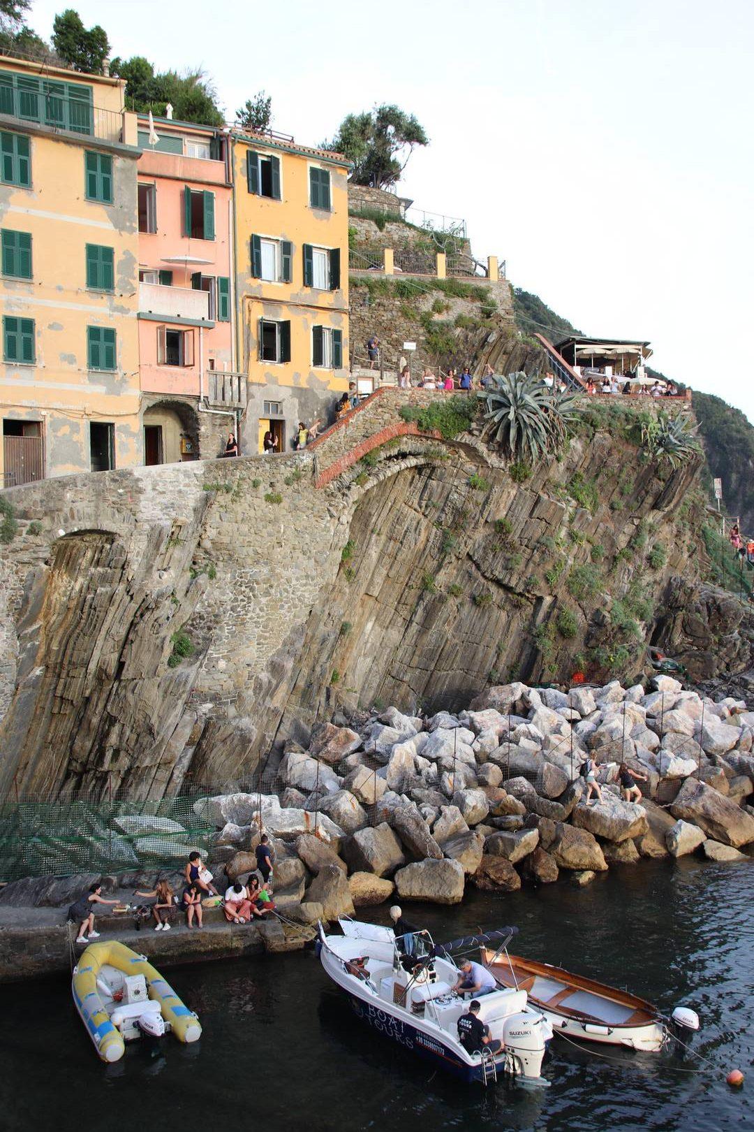 Italie - Fin de journée au village de Riomaggiore au parc des Cinque Terre