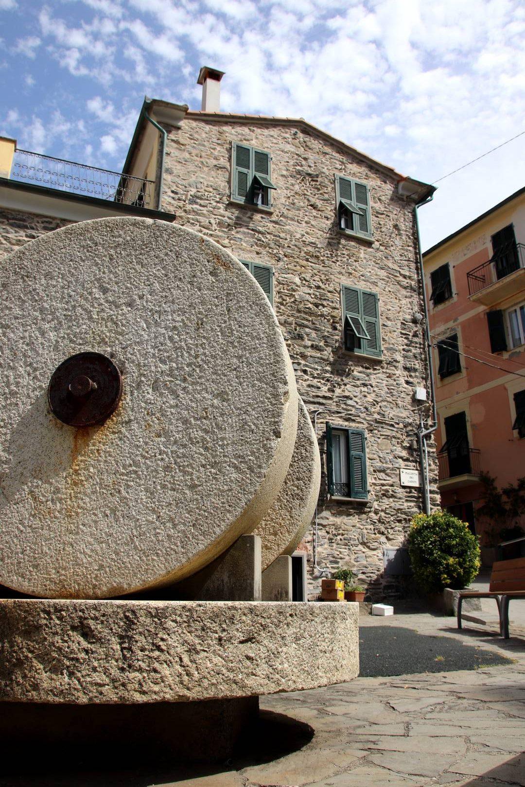 Italie - Puits dans le village de Vernazza, parc des cinque terre