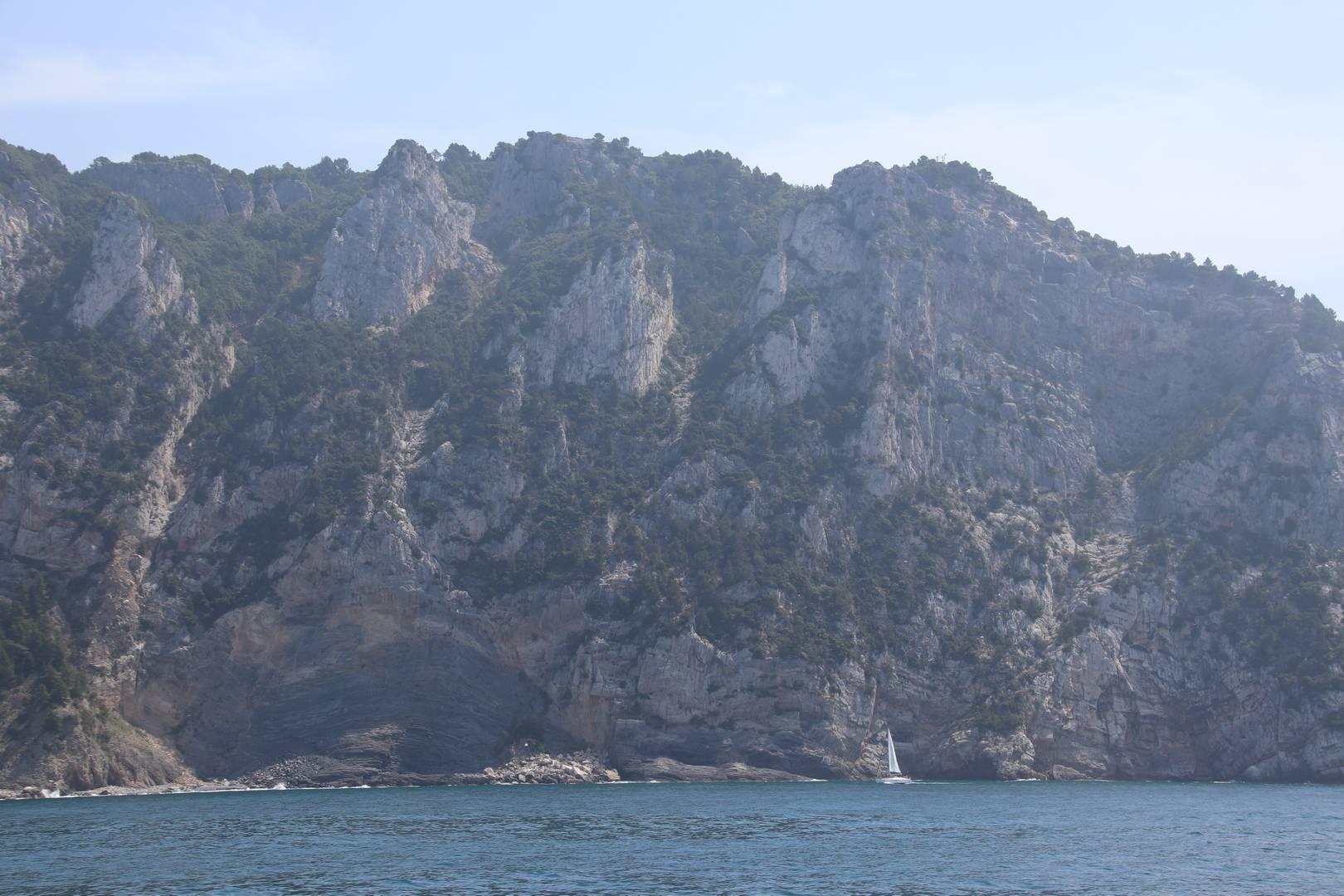 Italie - Bateau en mer Méditerranée dans le parc des cinque terre