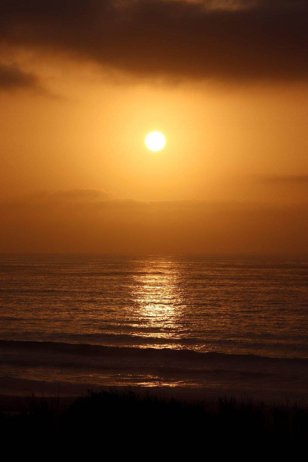 Maroc - Coucher de soleil sur l'Atlantique à Oualidia